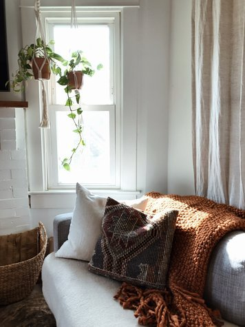 Online design Eclectic Living Room by Jessica R. thumbnail