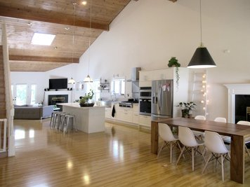 Online design Modern Combined Living/Dining by Marisa G. thumbnail