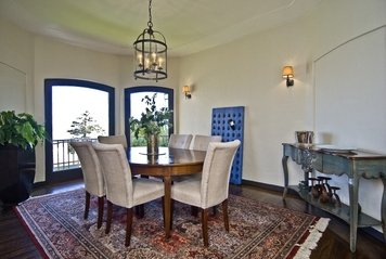 Online design Traditional Dining Room by Jessica A. thumbnail