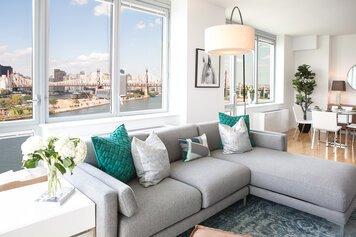 Online design Modern Living Room by Lindsay B. thumbnail