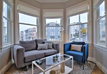 Online design Modern Living Room by Sean J. thumbnail