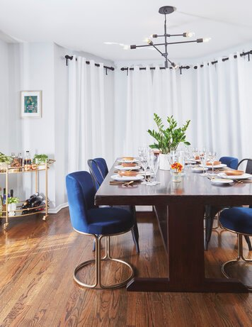 Online design Modern Dining Room by Amy C. thumbnail