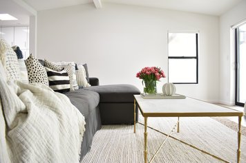 Online design Contemporary Living Room by Kate S. thumbnail