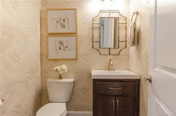 Online design Glamorous Bathroom by Alissa A. thumbnail