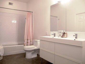 Online design Modern Bathroom by Marisa G. thumbnail