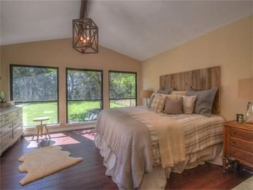 Online design Country/Cottage Bedroom by Lindsay D. thumbnail