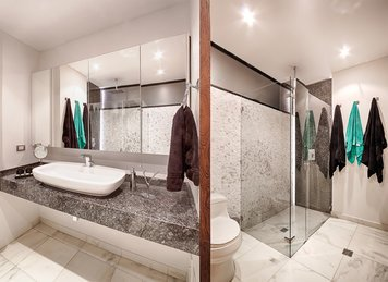 Online design Modern Bathroom by Andres S. thumbnail
