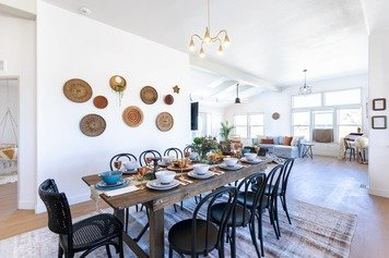 Online design Traditional Dining Room by Emily P. thumbnail