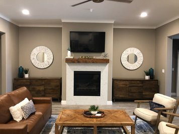 Online design Transitional Living Room by Holly M. thumbnail