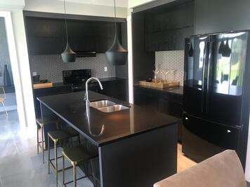 Online design Modern Kitchen by Kiran K. thumbnail