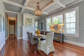 Online design Transitional Dining Room by Tammy M. thumbnail
