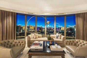 Online design Eclectic Living Room by Lauren B. thumbnail