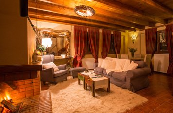 Online design Transitional Living Room by Marina S. thumbnail