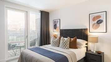Online design Modern Bedroom by Monika V. thumbnail