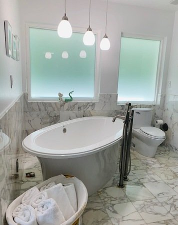 Online design Modern Bathroom by Laura C. thumbnail