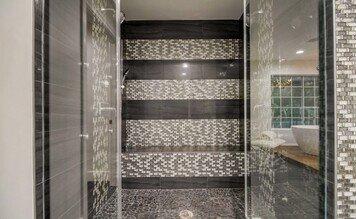Online design Modern Bathroom by Jessica C. thumbnail