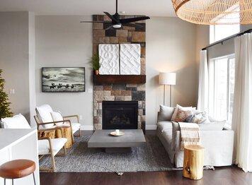 Online design Modern Living Room by Alyssa H. thumbnail