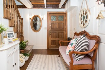 Online design Country/Cottage Hallway/Entry by Lindsay B. thumbnail