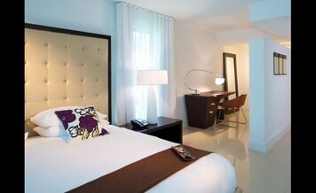 Online design Modern Bedroom by Marcela O. thumbnail