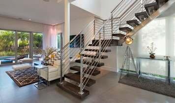 Online design Modern Hallway/Entry by Sara L. thumbnail