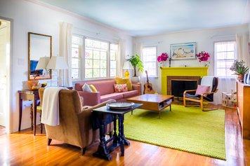 Online design Eclectic Living Room by Heather P. thumbnail