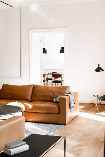 Online design Contemporary Living Room by Scott T. thumbnail