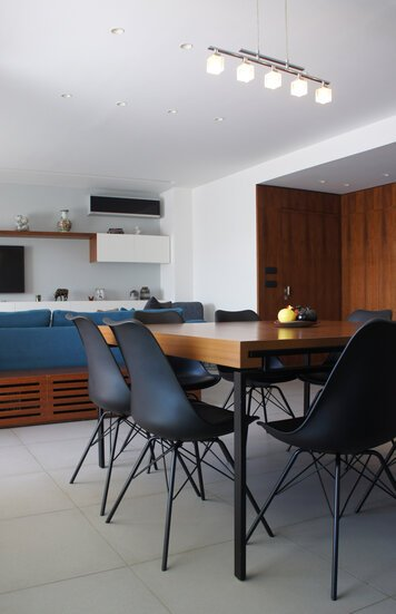 Online design Contemporary Combined Living/Dining by Lea S. thumbnail