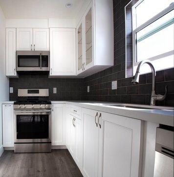 Online design Modern Kitchen by Vanessa T. thumbnail