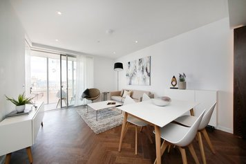 Online design Modern Combined Living/Dining by Katerina P. thumbnail