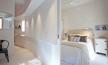 Online design Modern Bedroom by Henrika T. thumbnail