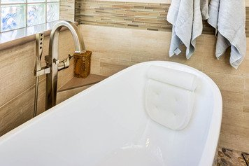 Online design Transitional Bathroom by Emily E. thumbnail