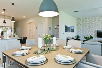 Online design Modern Dining Room by Heidy F. thumbnail