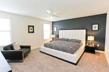 Online design Modern Bedroom by Heidy F. thumbnail