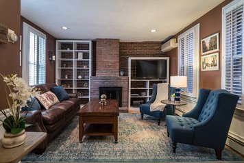 Online design Transitional Living Room by Dina C. thumbnail