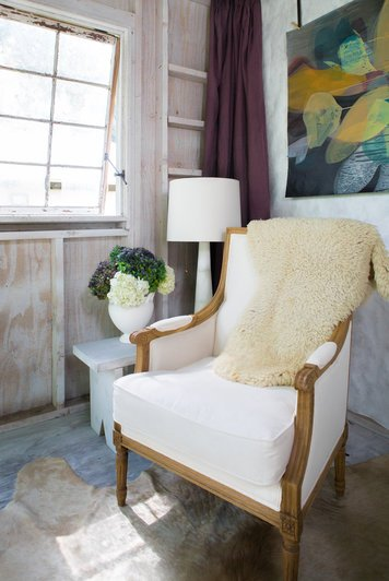 Online design Country/Cottage Living Room by Courtney B. thumbnail
