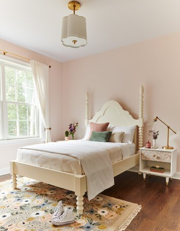 Online design Glamorous Bedroom by Amy C. thumbnail