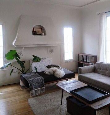 Online design Modern Living Room by Jacky G. thumbnail