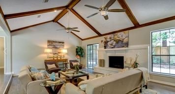 Online design Transitional Living Room by Tammy M. thumbnail