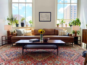 Online design Modern Living Room by Amy C. thumbnail