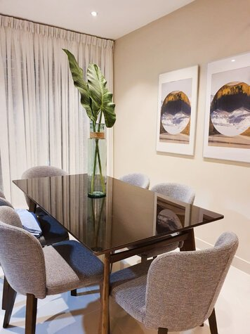 Online design Contemporary Combined Living/Dining by Perla V. thumbnail