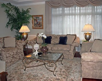 Online design Traditional Living Room by Eileen P. thumbnail