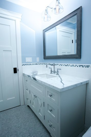 Online design Transitional Bathroom by Muna S. thumbnail