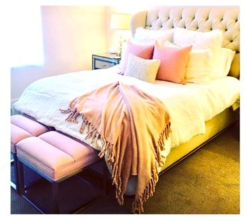 Online design Glamorous Bedroom by Linde P. thumbnail