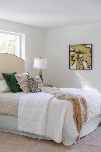 Online design Transitional Bedroom by Carla A. thumbnail