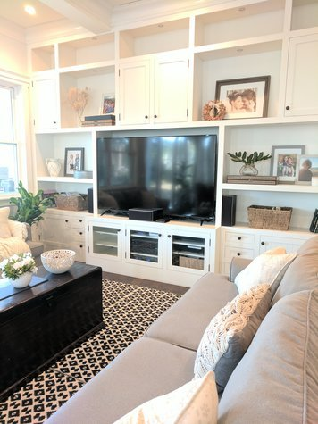 Online design Transitional Living Room by Muna S. thumbnail