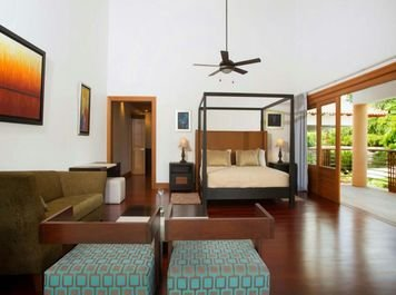 Online design Contemporary Bedroom by Amelia R. thumbnail