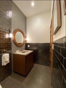 Online design Modern Bathroom by Amanda K. thumbnail
