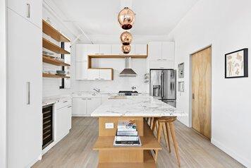 Online design Contemporary Kitchen by Sara M. thumbnail