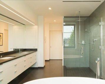 Online design Modern Bathroom by susan w. thumbnail
