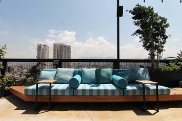 Online design Contemporary Patio by Lea B. thumbnail